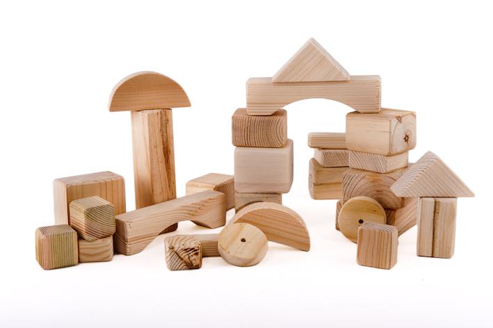 קוביות עץ למשחק