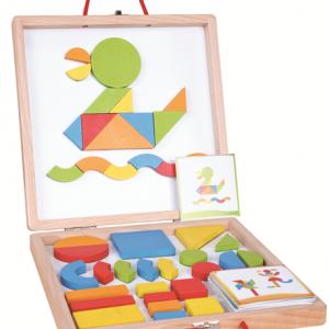 לוח מגנטי עם צורות מעץ - והכל במזוודה אחת
