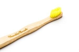 מברשת שיניים מבמבוק