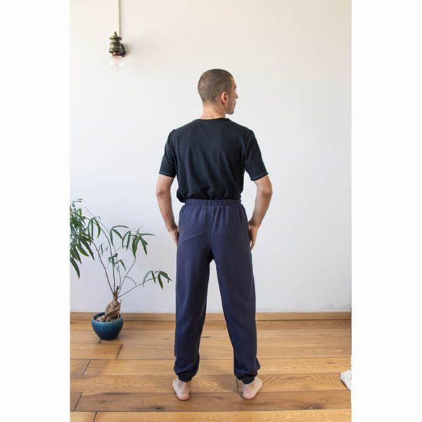 חולצה אורגנית בצבע שחור