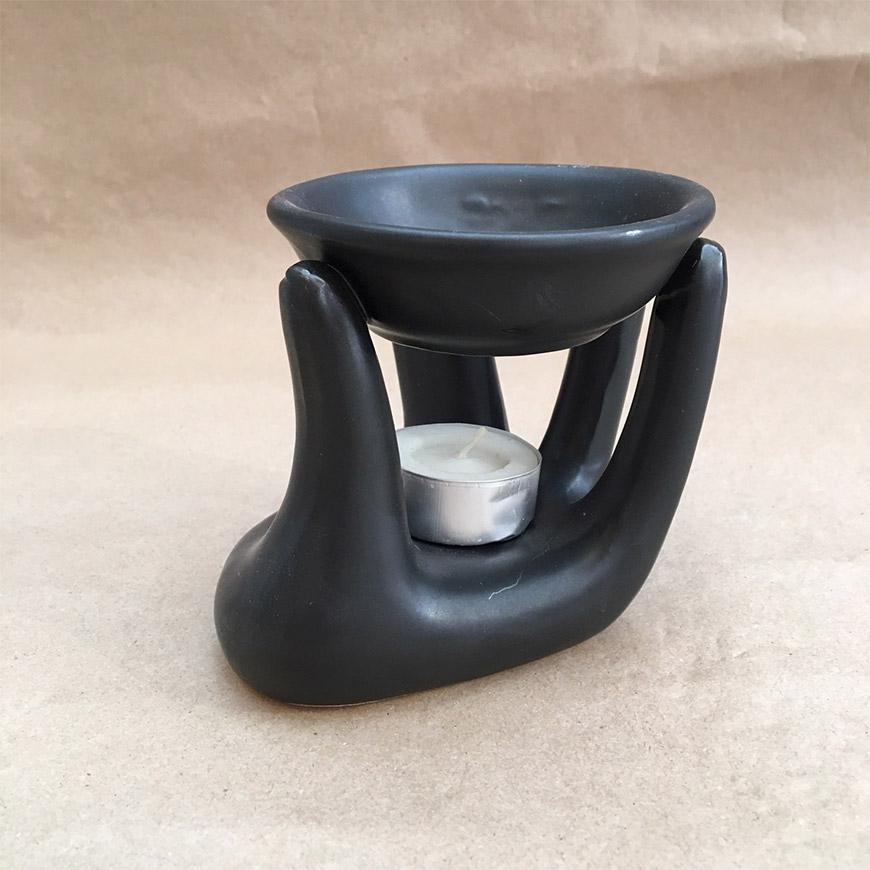 מבער בצורת כף יד שחור